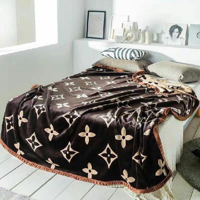 高品質雲毛布北欧コーラル·絨毯カバーフランネルエアコン毛布布団カバー インテリア/住まい/日用品の寝具(シーツ/カバー)の商品写真