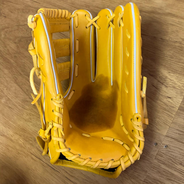 MIZUNO(ミズノ)の美品職人型付け済!大久保スポーツ軟式外野用 スポーツ/アウトドアの野球(グローブ)の商品写真