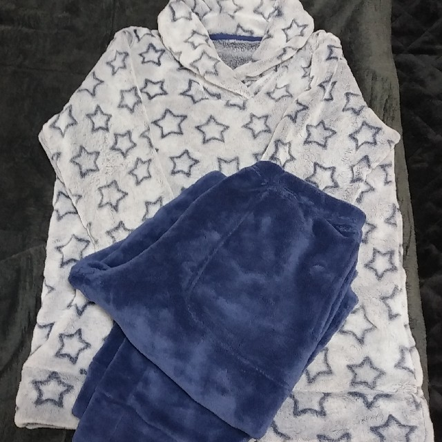 GU(ジーユー)のGUボアパジャマLサイズ レディースのルームウェア/パジャマ(パジャマ)の商品写真