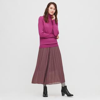 ユニクロ(UNIQLO)のUNIQLO シフォンプリーツスカートパンツ 73PURPLE(カジュアルパンツ)