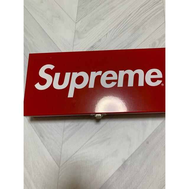 Supreme(シュプリーム)のsupreme ケース 缶ケース メンズのファッション小物(その他)の商品写真