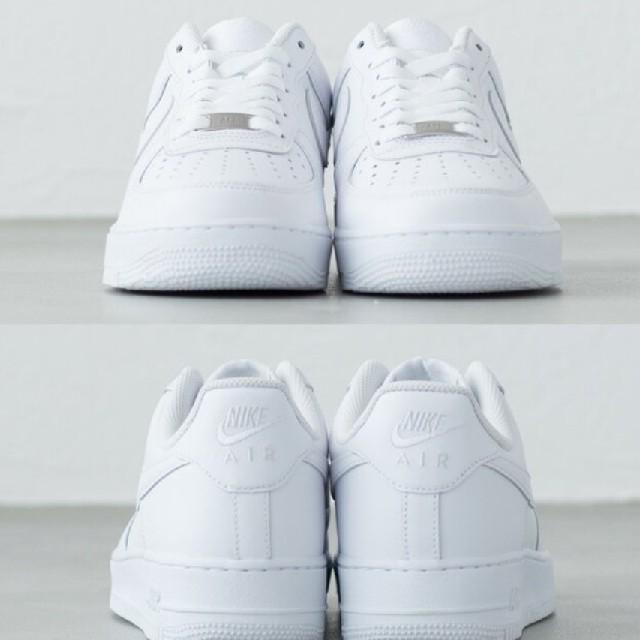 新品 送料無料 サイズ多数 ナイキ エアフォース 1 白 レディースの靴/シューズ(スニーカー)の商品写真