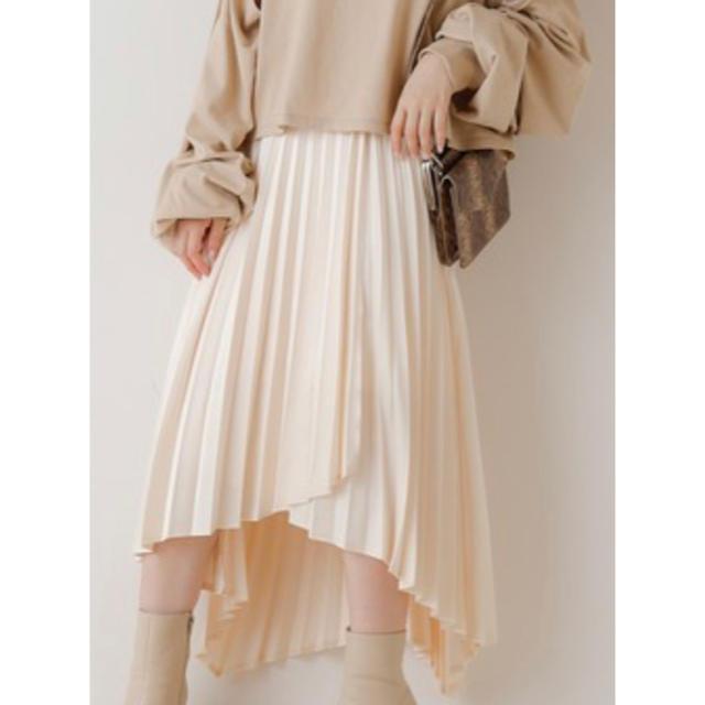 who's who Chico(フーズフーチコ)の【お値下げ中】サテンラップアシメプリーツスカート レディースのスカート(ロングスカート)の商品写真