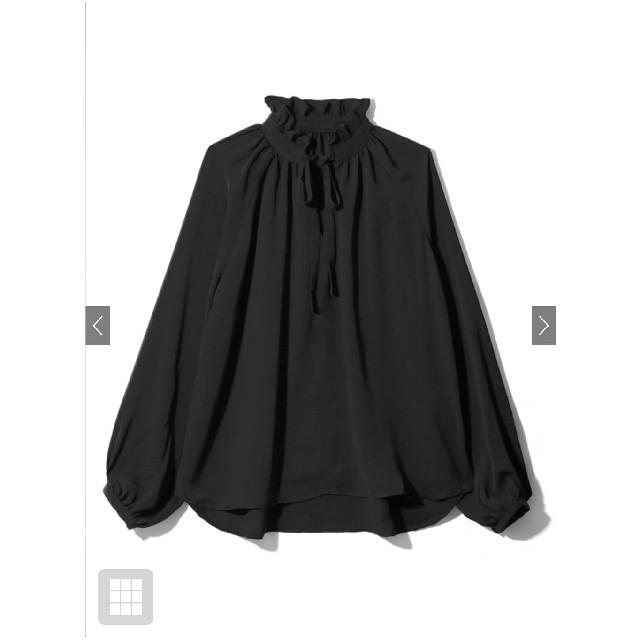 GRL(グレイル)の白石麻衣 前後2WAYリボンフリルカラーサテントップス レディースのトップス(シャツ/ブラウス(長袖/七分))の商品写真