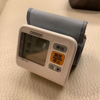 OMRON - オムロンのデジタル自動血圧計