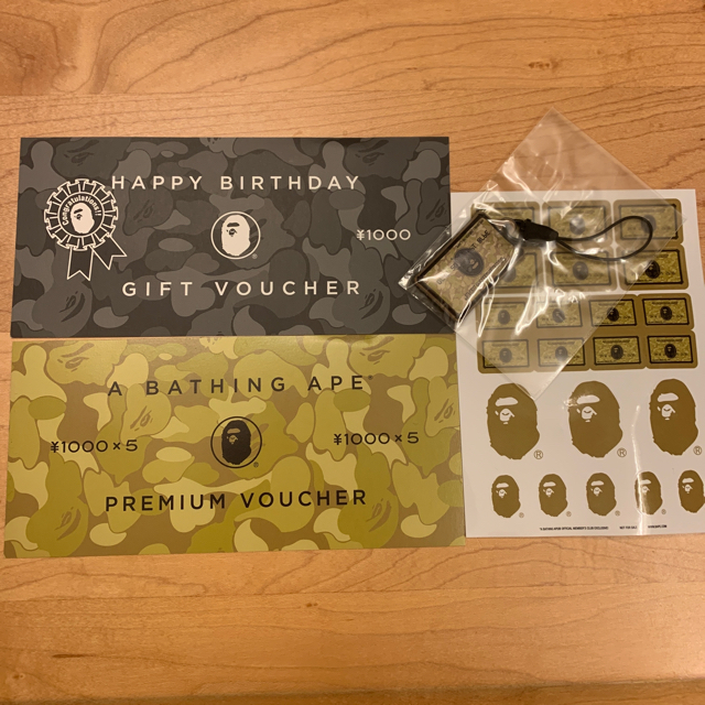 A BATHING APE(アベイシングエイプ)のA BATHING APE 割引券 2枚 メンズのファッション小物(その他)の商品写真