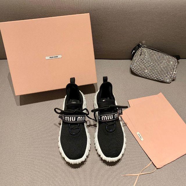 miumiu(ミュウミュウ)の新品 miumiu スニーカー レディースの靴/シューズ(スニーカー)の商品写真