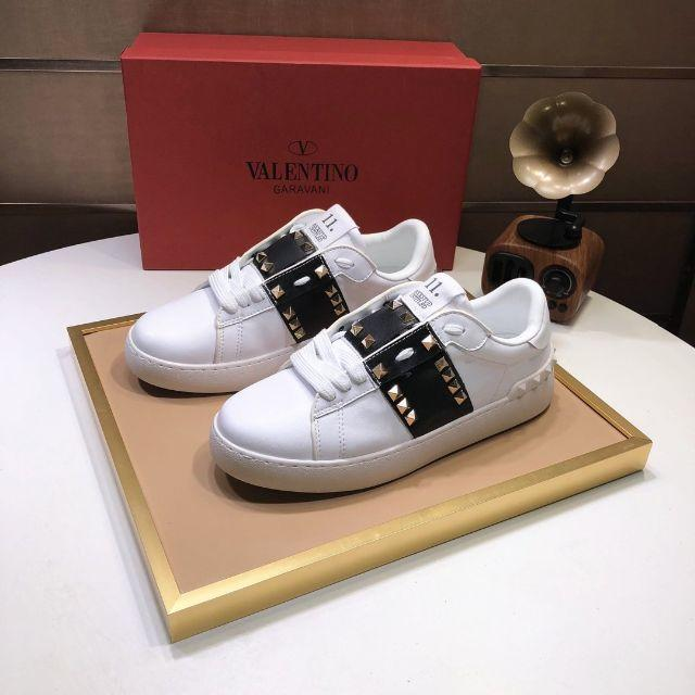 VALENTINO(ヴァレンティノ)の超人気爆発 Valentinoスニーカー レディースの靴/シューズ(スニーカー)の商品写真