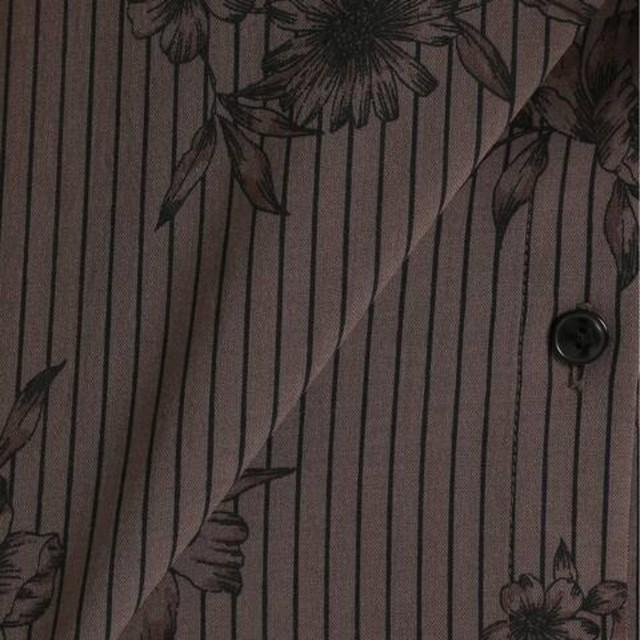 IENA(イエナ)のイエナ ストライプフラワーブラウス レディースのトップス(シャツ/ブラウス(半袖/袖なし))の商品写真