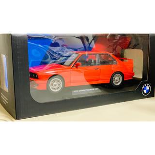 ビーエムダブリュー(BMW)のキス×ビーエムダブリュー 1/18 ダイキャストカー マンデープログラム (ミニカー)