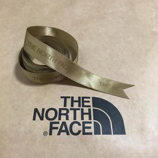 ザノースフェイス(THE NORTH FACE)の【 THE NORTH FACE 】ギフト用 リボン ゴールド 4m(各種パーツ)