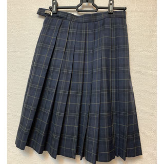 高校 制服(ひざ丈スカート)