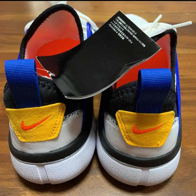 NIKE(ナイキ)のNIKE ナイキ スニーカー アカルム 26cm AQ 2224 103 メンズの靴/シューズ(スニーカー)の商品写真