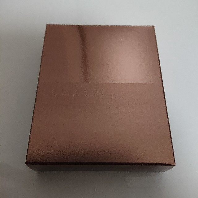 LUNASOL(ルナソル)の新品 ルナソル スキンモデリングアイズ 02 コスメ/美容のベースメイク/化粧品(アイシャドウ)の商品写真