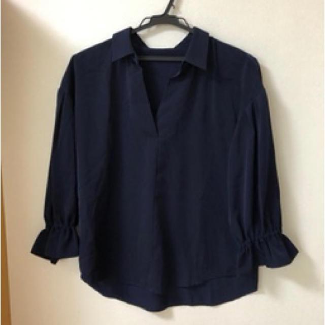 未使用 ネイビー  光沢ブラウス レディースのトップス(シャツ/ブラウス(長袖/七分))の商品写真