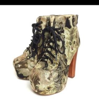 ジェフリーキャンベル(JEFFREY CAMPBELL)のジェフリーキャンベル 猫柄 ブーツ(ブーツ)