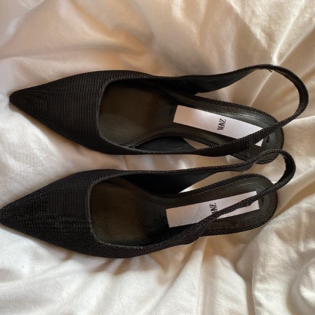 ZARA(ザラ)のZARAザラパンプス36 試着のみ レディースの靴/シューズ(ハイヒール/パンプス)の商品写真