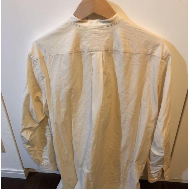 COMOLI(コモリ)のコモリ エクリュ バンドカラー シャツ メンズのトップス(シャツ)の商品写真