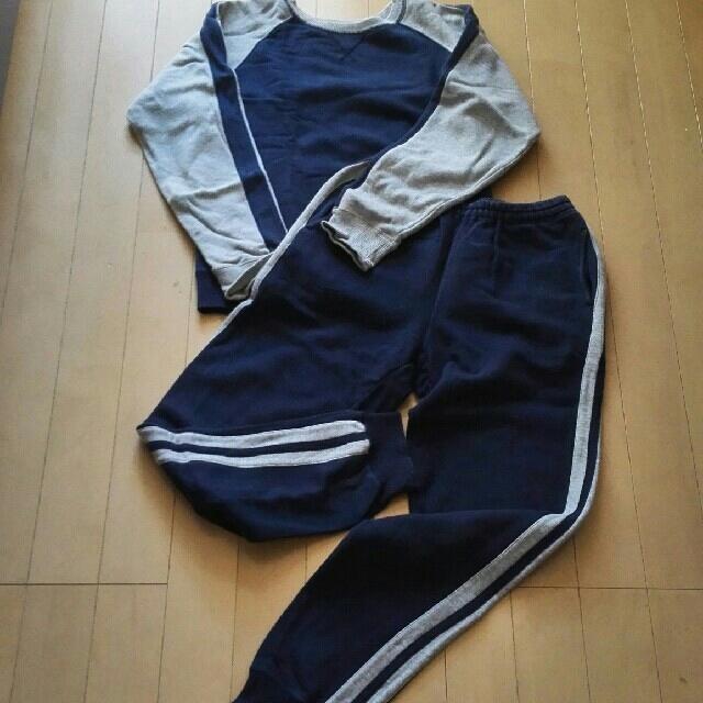 UNIQLO(ユニクロ)のユニクロパジャマ上下セットサイドのラインが可愛いですょ!150㎝ キッズ/ベビー/マタニティのキッズ服男の子用(90cm~)(パジャマ)の商品写真