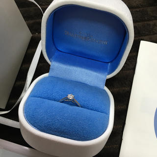 ダイヤモンドシライシ 婚約指輪 エンゲージリング 9号(リング(指輪))