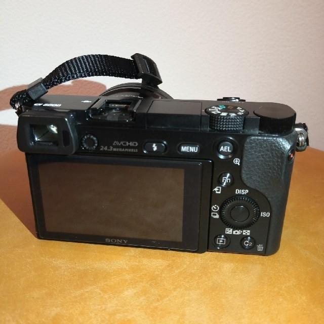 SONY(ソニー)のSONY ILCE-6000(B) パワーズームレンズキット おまけ付き スマホ/家電/カメラのカメラ(ミラーレス一眼)の商品写真