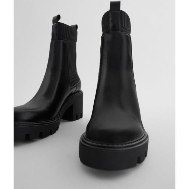 ZARA(ザラ)の新品ZARA SNSで話題な完売ブーツ37 レディースの靴/シューズ(ブーツ)の商品写真