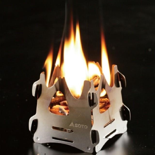新富士バーナー(シンフジパートナー)のミニ焚き火台 テトラ ソト(SOTO)  ST-941 スポーツ/アウトドアのアウトドア(ストーブ/コンロ)の商品写真