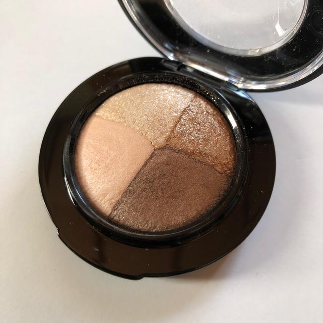 MAC(マック)のブロンズアセッツ コスメ/美容のベースメイク/化粧品(アイシャドウ)の商品写真