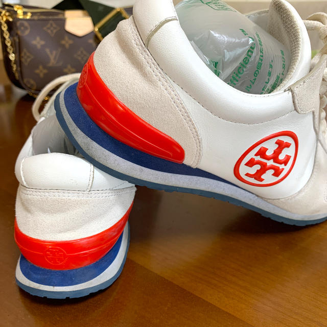 Tory Burch(トリーバーチ)のトリーバーチ   日曜日お値引きオールレザー 一日中履いても疲れない❣️ レディースの靴/シューズ(ハイヒール/パンプス)の商品写真