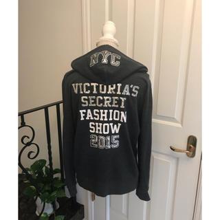 ヴィクトリアズシークレット(Victoria's Secret)のVictoria's secret   パーカー (パーカー)