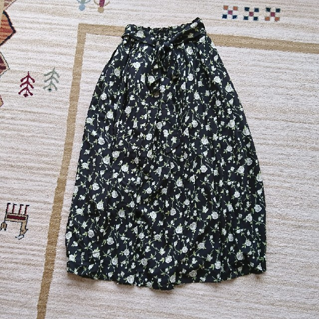 花柄 ロングスカート ウエストリボン レディースのスカート(ロングスカート)の商品写真