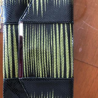 ビーシービージーマックスアズリア(BCBGMAXAZRIA)のBCBGMAXAZRIAのセカンドbag(クラッチバッグ)