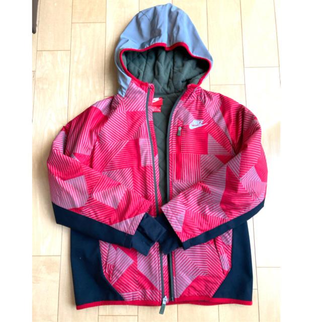 NIKE(ナイキ)のNIKE アウターM 中綿(145~150size) キッズ/ベビー/マタニティのキッズ服男の子用(90cm~)(ジャケット/上着)の商品写真