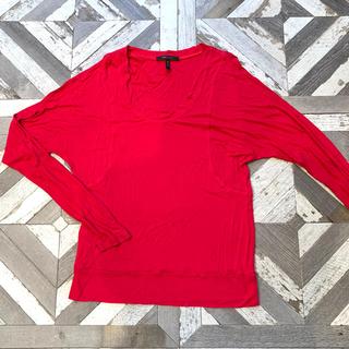 ビーシービージーマックスアズリア(BCBGMAXAZRIA)の早い者勝ち‼️変形レッドTシャツBCBGMAXAZRIA(Tシャツ(長袖/七分))