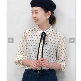 IENA - 【新品タグ付】IENA seseフラワーリボンタイシャツ