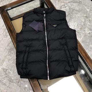 PRADA - プラダ ブラック ベストPRADA 新品 M