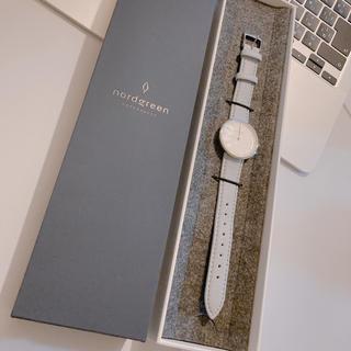 ダニエルウェリントン(Daniel Wellington)の美品 nordgreen 腕時計 Infinity グレーレザー(腕時計)