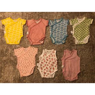 UNIQLO - UNIQLO ロンパース 7つセット 3つはほぼ新品 新生児 綿100%