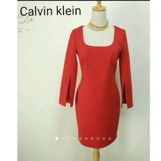 カルバンクライン(Calvin Klein)のまぁ美品カルバンクライン赤ドレスワンピース オケージョン/タダシショージBCBG(ひざ丈ワンピース)