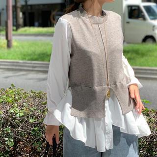 ミラオーウェン(Mila Owen)の未使用 ドッキングニット ニット シャツ 冬服 秋服 ドッキングシャツ グレー(ニット/セーター)