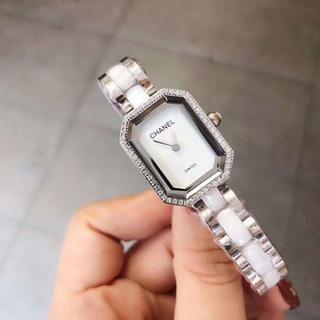 未使用 シャネル 腕時計 クォーツ レディース