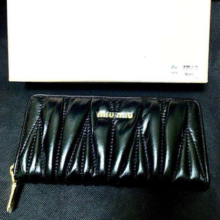 miumiu - 【未使用】ミュウミュウ 長財布 MIUMIU