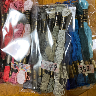 オリンパス(OLYMPUS)のオリムパス刺繍糸352(生地/糸)