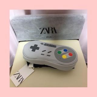ニンテンドウ(任天堂)のNintendo 公式 ZARA コントローラー型 ウエストポーチ ベルトバッグ(セカンドバッグ/クラッチバッグ)