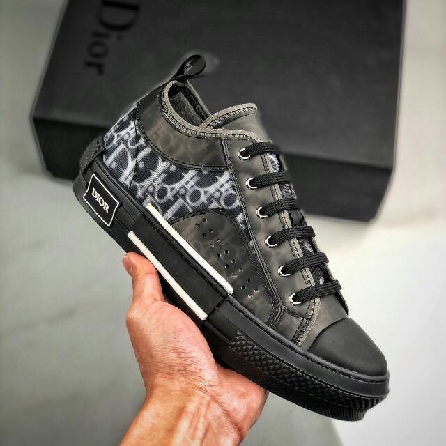 Dior(ディオール)のDior B23 Oblique Low Top Sneakers メンズの靴/シューズ(スニーカー)の商品写真