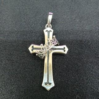 ジャスティンデイビス(Justin Davis)のJUSTIN DAVIS  Cross with Crown ネックレストップ(ネックレス)