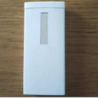 エーユー(au)のau KYY08 ガラケー 携帯電話 ケータイ 白 中古(携帯電話本体)