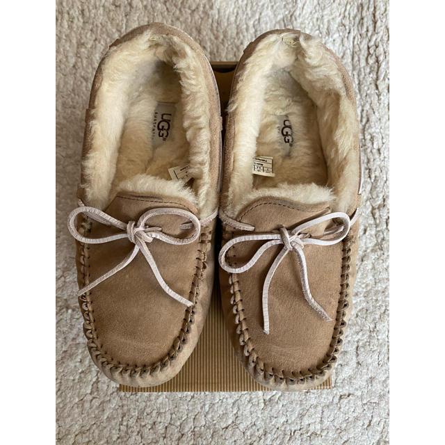 UGG(アグ)の【専用】UGGアグ モカシン 24cm レディースの靴/シューズ(スリッポン/モカシン)の商品写真