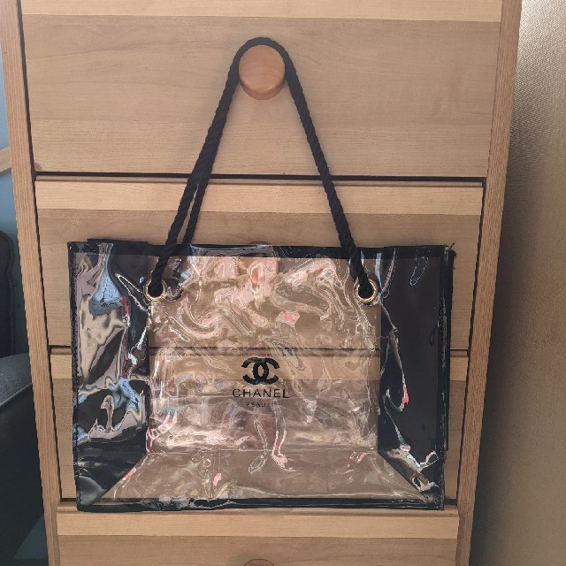 CHANEL(シャネル)のセール!!CHANEL コスメ ノベルティ ビニールバッグ♪ レディースのバッグ(ハンドバッグ)の商品写真