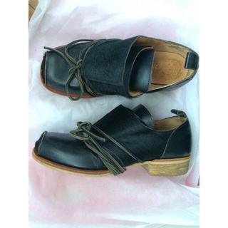ジェーンマープル(JaneMarple)のJaneMarple レースアップ黒ファー靴(ローファー/革靴)